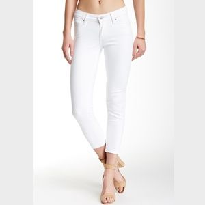 Levi Mid-Rise slim white jeans ankle 27 NWT